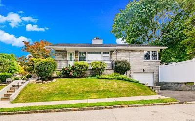 Yonkers Single Family Home For Sale: 30 Pocono Avenue