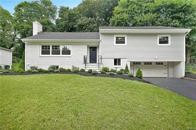 New Rochelle Single Family Home For Sale: 1181 Pinebrook Boulevard
