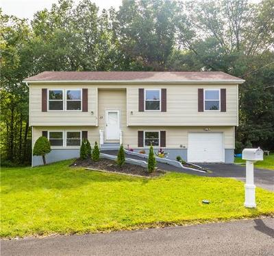 Middletown Single Family Home For Sale: 37 Maple Drive