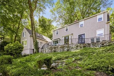 Chappaqua Single Family Home For Sale: 15 Woodland Place