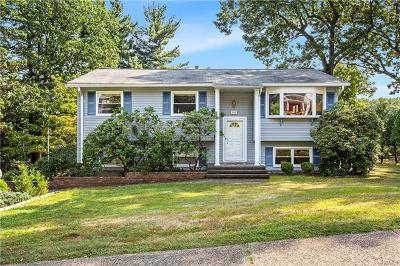 Rockland County Single Family Home For Sale: 107 Princeton Drive
