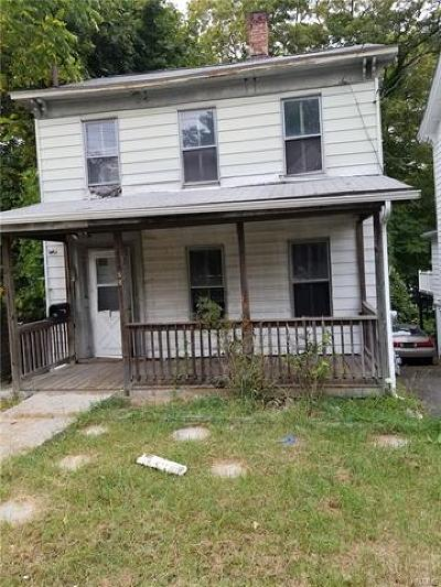 Middletown Single Family Home For Sale: 38 Monhagen Avenue
