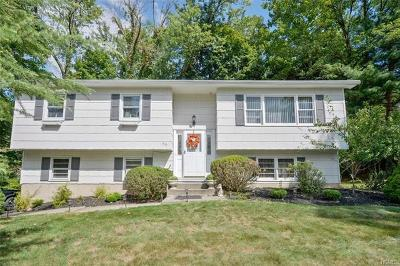 Rockland County Single Family Home For Sale: 823 Tulip Drive