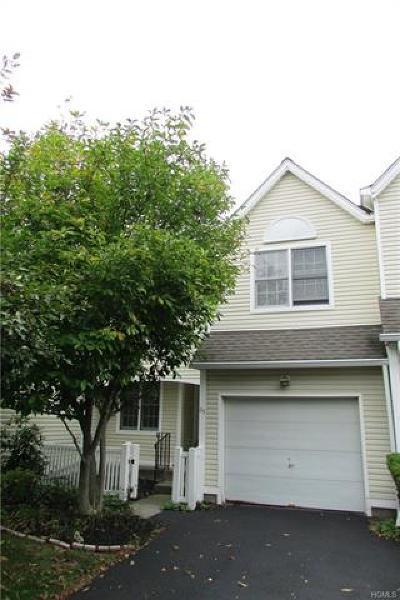 Dutchess County Condo/Townhouse For Sale: 65 Spruce Ridge Drive