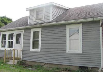 Middletown Single Family Home For Sale: 30 Rhode Island Avenue