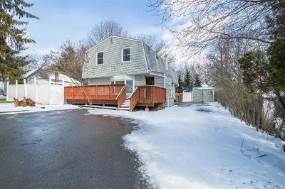 Monroe Single Family Home For Sale: 2 Mapes Lane