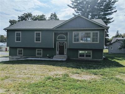 Middletown Single Family Home For Sale: 64 Rhode Island Avenue