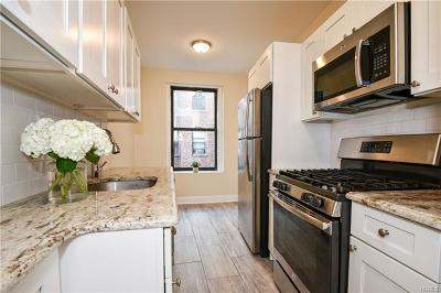 Westchester County Co-Operative For Sale: 31 West Pondfield Road #46