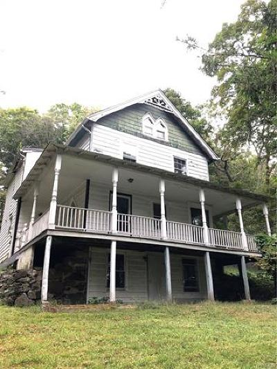 Westchester County Single Family Home For Sale: 13 Indian Hill Road