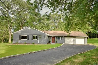 Westchester County Single Family Home For Sale: 52 Deans Bridge Road