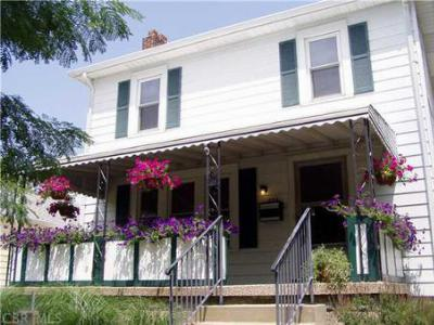 Single Family Home SOLD!: 474 Woodbury Ave