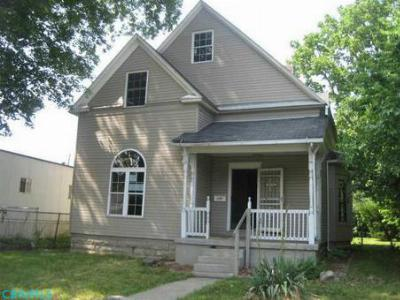 Single Family Home Sold: 2290 Margaret Avenue