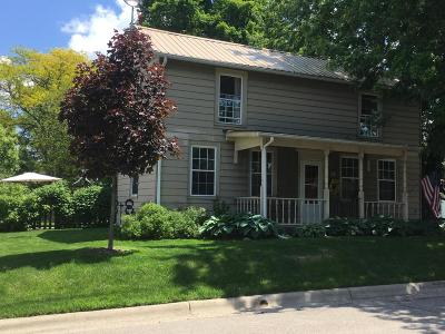 Single Family Home Sold: 208 S Oregon Street