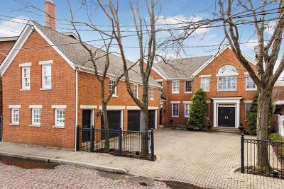 Columbus Single Family Home For Sale: 585 S Lazelle Street