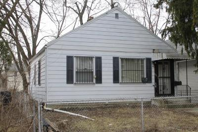 Single Family Home Sold: 1531 E Blake Avenue