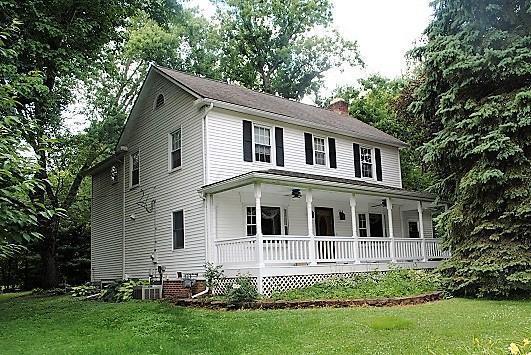 Pleasant 492 E Johnstown Road Gahanna Oh Mls 217022973 Home Interior And Landscaping Dextoversignezvosmurscom