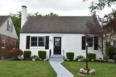 Columbus Single Family Home Contingent Finance And Inspect: 1259 Primrose