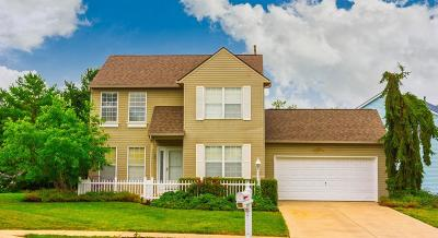 Hilliard Single Family Home Contingent Finance And Inspect: 3715 Carriage Run Drive