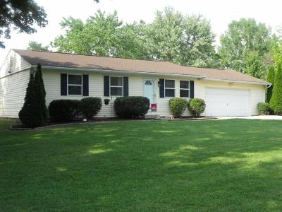 Circleville OH Single Family Home Contingent Finance And Inspect: $117,900