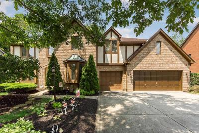 Columbus Single Family Home For Sale: 8201 Lake Bluff Court
