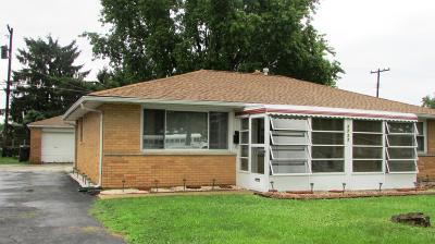 Grove City Single Family Home Contingent Finance And Inspect: 2722 Kenny Lane