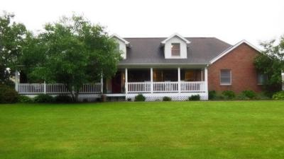 Pickerington Single Family Home Contingent Finance And Inspect: 11210 Milnor Road