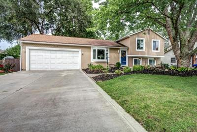 Pickerington Single Family Home Contingent Finance And Inspect: 310 Parkwood Avenue