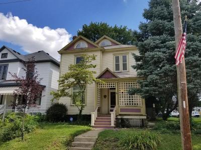 Columbus Single Family Home For Sale: 668 Oakwood Avenue