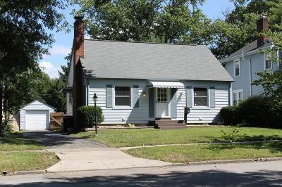 Single Family Home For Sale: 94 Garden Road