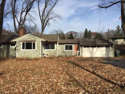 Single Family Home For Sale: 612 Yaronia Drive S