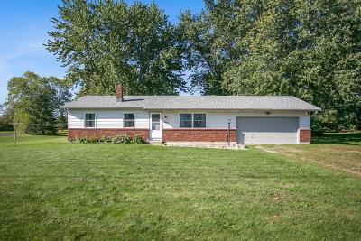 Grove City Single Family Home Contingent Finance And Inspect: 3063 Seaman Road