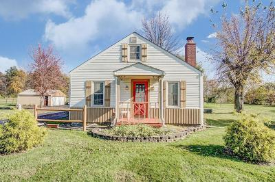 Grove City Single Family Home For Sale: 5160 Hoover Road