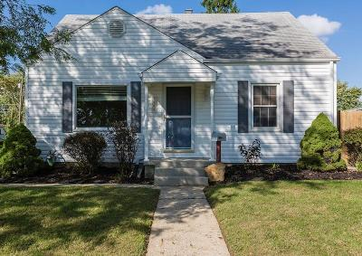 Grove City Single Family Home Contingent Finance And Inspect: 3390 Woodlawn Avenue