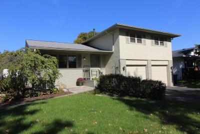 Single Family Home For Sale: 1268 Oakfield Drive N