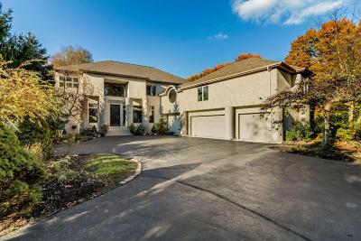 Columbus Single Family Home For Sale: 3857 Fairlington Drive