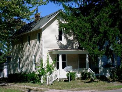 Single Family Home For Sale: 186 W Coshocton Street