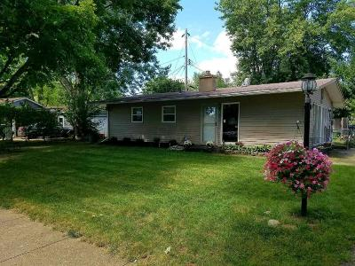 Reynoldsburg Single Family Home Contingent Finance And Inspect: 1051 Pleasant Drive