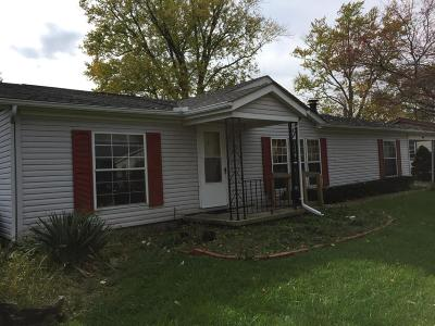 Buckeye Lake Single Family Home Contingent Finance And Inspect: 42 Highland Avenue