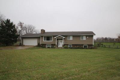 Sunbury Single Family Home Contingent Finance And Inspect: 1020 N State Route 61