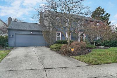 Columbus Single Family Home For Sale: 6815 Maplebrook Lane
