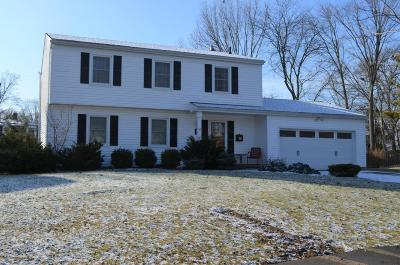 Upper Arlington Single Family Home Contingent Finance And Inspect: 1283 Castleton Road N