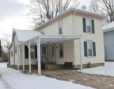 Mount Vernon Single Family Home Contingent Finance And Inspect: 1004 W Chestnut Street
