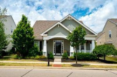 Grove City Single Family Home Contingent Finance And Inspect: 4687 Sahalee Drive