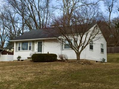 Chillicothe Single Family Home Contingent Finance And Inspect: 49 Sharon Road