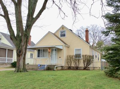 Franklin County, Delaware County, Fairfield County, Hocking County, Licking County, Madison County, Morrow County, Perry County, Pickaway County, Union County Single Family Home For Sale: 825 S Roys Avenue