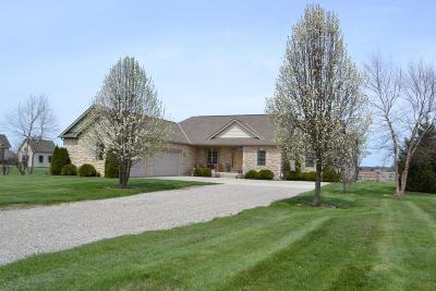 Single Family Home For Sale: 3836 Arrowhead Drive NW