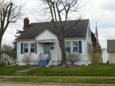 Clinton County Single Family Home For Sale: 483 S Walnut Street