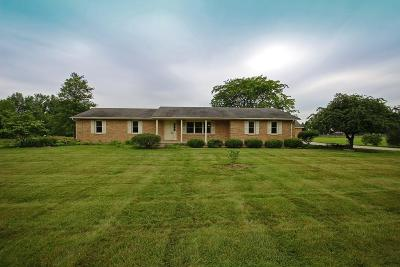 Pickerington Single Family Home Contingent Finance And Inspect: 9499 Carroll-Northern Road NW