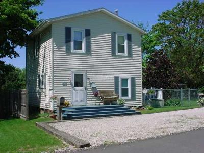 Johnstown Single Family Home Contingent Finance And Inspect: 63 Yardner Street