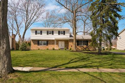 Upper Arlington Single Family Home Contingent Finance And Inspect: 4485 Sussex Drive